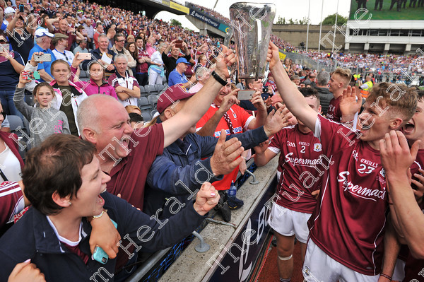 Galway-Minors-celebration-17757
